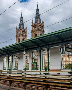 Ein wahres Jugendstil-Juwel, die U6 Station Josefstädter Straße. 🚇🧡 Wusstet ihr, dass die U6 eine der am...