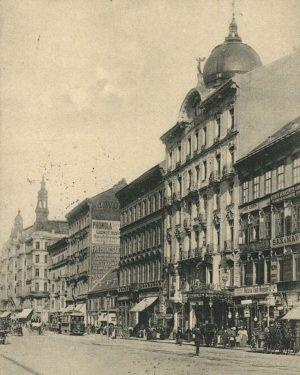 Nach dem Bau des Linienwalls (1704) verließ die Mariahilfer Straße den Vorstadtbereich bei der