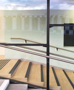 #vienna #wien #vídeň #sky #mirror #glass #austria #travel #colors #contrast #tourist #trip #architecture #mood #arch #future #economicuniversity...