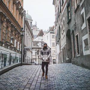 Wandering the streets of Vienna we found so many hidden amazing spots. . ...
