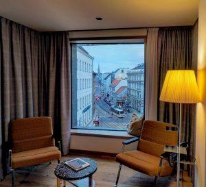 #hotelroomview - ein Zimmer exklusiven mit Blick auf den Stephansdom und die Kärntner Straße in Wien -...