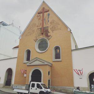 カプツィーナ教会 この教会の地下にはプスブルク家の骨が埋葬してあるということで行ったが肝心な地下は改装工事で見れないと言う悲劇。。残念。 #Wien#vienna#Kapuzinergruft#Habsburg#FranzJoseph#Elisabeth#Rudolf#ウィーン#カプツィーナ教会#ハプスブルク家#フランツヨーゼフ#エリザベート#ルドルフ