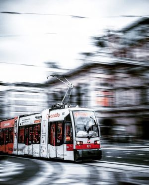 tram in front of Vienna State Opera 🚃 • • • • #austria #feelaustria #visitaustria #discoveraustria #1000thingsinaustria...