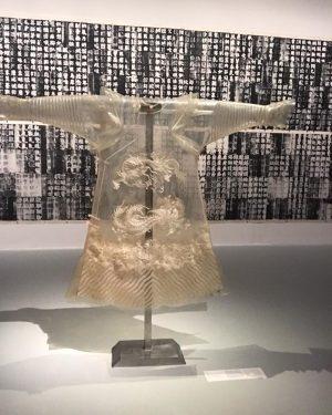 中国私语 CHINESE WHISPERS 🐉🐲⛩🎏 . some impressions from this amazing exhibition curated by my collegue @baerbelvischer ✨....