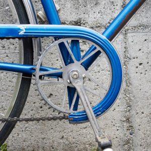 Another italian classic: Steelframe Singer Bike #bikeshit #keeppedaling #steelframe #singlespeed #classic #blue #cyclingstyle #vintagebike #keepriding #oldtimer #singer...