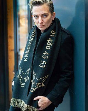 #COLDKILLS - deshalb trägt Deborah Sengl unseren Kälteschal. 🤘🤘🤘 Limitierte Auflage! ❄ Ab sofort erhältlich in unserem...
