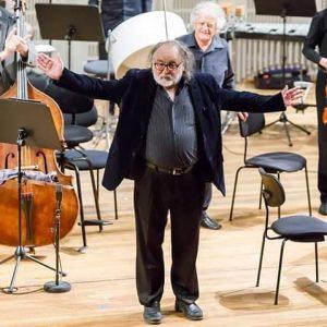#wienmodernontheradio: Heute in Ö1: Aufzeichung von Ensemble Modern und Arditti Quartet mit Brian ...