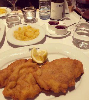 Original Wiener Schnitzel #schnitzel #vienna #wien #austria a#europe #travel #food