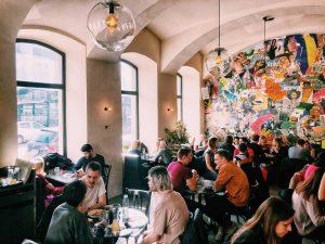 Happy Saturday folks 💕 #drechsler#wienzeile#wien#beautiful#beauty#building#vienna#colours#fun#funny#people#austria#style#painting#artist#art#street#instabeauty#instagram#photooftheday#photo#picoftheday#pic#picture#picoftheday#restaurant#ramasuri#breakfast#love#hospitalitynerd Linke Wienzeile