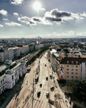 Sunny Vienna. #igersvienna #gürtel #citylife #fromabove #skyline #sunnyday #city #igersaustria #cloudporn #sun #ottowagner #wien Vienna Beltway