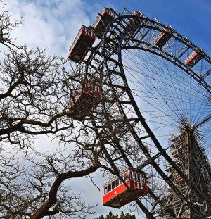 A roda-gigante de Viena, é um dos símbolos mais marcantes da cidade. É a roda mais antiga...