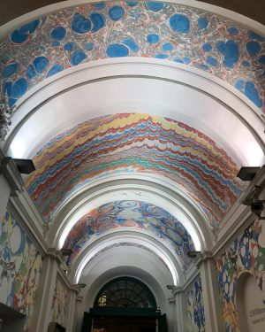Galerias #museumsquartier #arteemfoco #modernart #contemporaryart #vienna #graffiti
