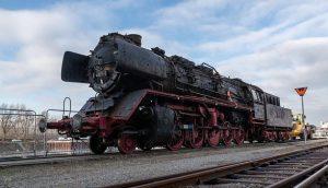 Eindrucksvoll: Am 6. Februar hieß es im Hafen Wien-Freudenau Eisenbahn verladen - und zwar ein echtes Museumsstück:...