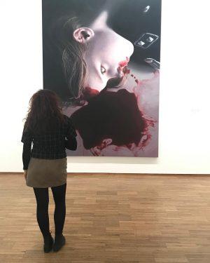 Amo i musei. Amo vedere le persone assorte in contemplazione. Amo immergermi dentro in ogni quadro per...