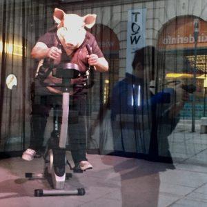 Running human pig... #iphonography #museum #mumok #museumquartier #trip #travel #reflection #riflessi #wien #igerswien ...