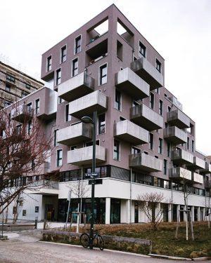 Neue Architektur, Sonnwendviertel, Wien. #wien #österreich #architektur #architecture #vienna #austria #igersvienna #vienna_austria #nurderschönheitwegen #youshouldbettereatarchitecture #wiennurduallein #wohnhaus #housing
