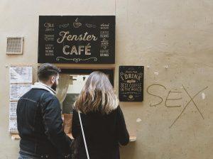 special offer 😏🤷🏼♀️ #igersaustria #at_city #at_humans #fenstercafe Fenster Cafe