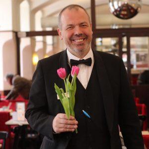 Wir wünschen Ihnen einen schönen Valentinstag! 🌷 . #cafemuseumwien #viennaeats #wienisst #wienerkaffeehaus #kaffeehaus #wienerkaffeehauskultur #valentinstag Café Museum