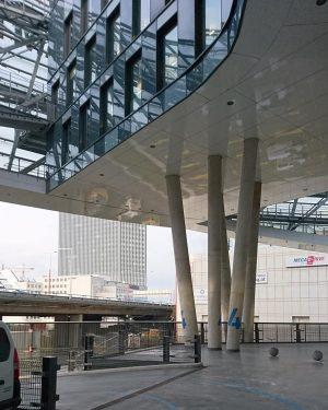 ÖAMTC Zentrale, Arch. Pichler und Traupmann, Wien, 2016 #architektur #architecture #vienna #austria #igersvienna #vienna_austria #nurderschönheitwegen #youshouldbettereatarchitecture #wiennurduallein...