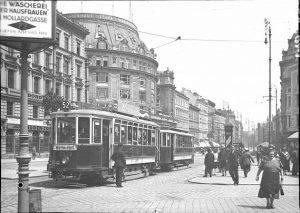 Eines der großen Wiener Warenhäuser war das 1911 eröffnete und seit 1914 unter dem Namen Stafa (Staatsangestellten-Fürsorgeanstalt)...