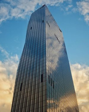 - skyscraper - in every sense of the word . . . . . #ic_architecture #icu_architecture #jj_architecture...