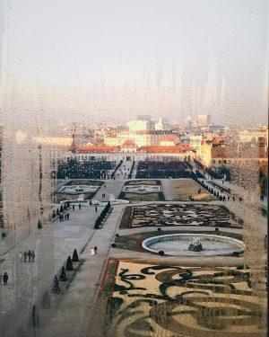 Вена - город потрясающей архитектуры, искусства, музыки и.... ужасной кухни🙈⠀ .⠀ Не знаю, может мне не везёт,...