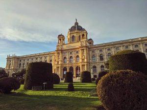 Потрясающая зима в Вене🌄, нам хотя бы март такой🤩😅#Wien #Vienna #girlswhotravel #travel #travelstagram #travelphoto #igtravel #instatravel #trip...