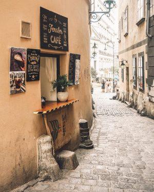 Darf ich vorstellen: das kleinste Café Wiens ☕️ #tb #wien2018 #sommer . . ...