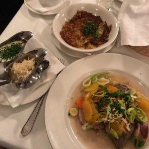 Hach Wien, deine Gastronomie vermiss ich ja wirklich. #tafelspitz#beef#Vienna#wien#austrianfood#museumsquartier#beisl#localdishes