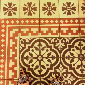 I have this thing with floors - and shoes 👠 #ihavethisthingwithfloors #ihavethisthingwithshoes #ihavethisthingwithtiles #falstaff2019 #rathaus #townhall #vienna...