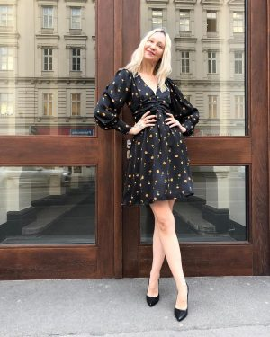 #happymonday ❤️ a #goodstarttotheweek with our #newin #vintageinspired #floralprint #dress for €69,- by #elliwhiteparis today at #magazinamgetreidemarkt...