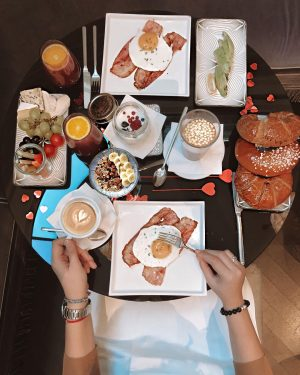 🌟5 Reasons why you should stay at @hoteltopazzvienna while in Vienna🌟 1️⃣ BREAKFAST ...