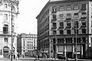 """Das """"scheußliche"""" Looshaus erbaut 1909-1911 von Adolf Loos für die damalige Herrenmodenfirma Goldman und Salatsch. Hauptwerk von..."""