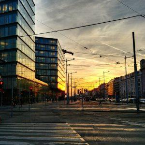 #sunset #glass #concrete 😂🌇 - - - #wanderlust #vienna #austria #hometown #home #winter #visitaustria #feelaustria #gaytravel #picoftheday...