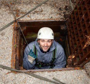 Schönen Wochenstart euch allen 👋🏼☀️🔝 #gutenmorgen aus dem #kanal #untergrund #sewer . von @feelimage_fotografie