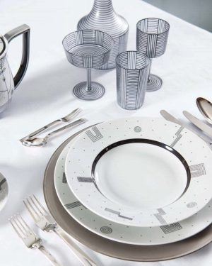 ⚫️⚪️MYTHOS BY HOFFMANN⚪️⚫️ designed in 1929 . . . #augartenwien #augarten #augartenporzellan #heritage #luxurylifestyle #designer #luxury #luxuryhouse...