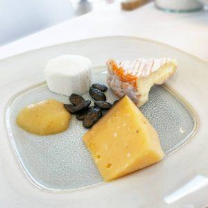 Breakfast indulgence. 😍🧀🙌 . . . #foodie #cheeselover #brunch #welovevienna #igersvienna #yummy #sundaybrunch #domoreofwhatmakesyouhappy #focusonthegood Meierei im...