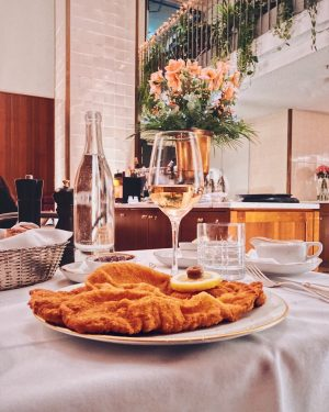 "This is the famous @meisslundschadn Wiener Schnitzel in its ""natural environment"" - on the table of the..."