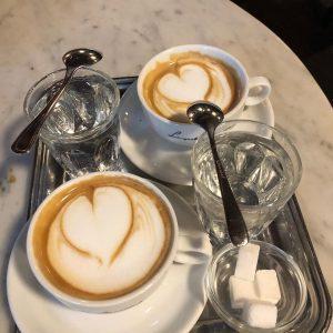 Auf einen Kaffee bei Leopold Hawelka, Wien #wienerkaffeehaus ☕️#lifeisgood