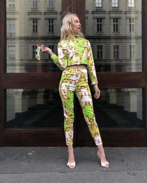 #tgif ❤️ Ingrid is #readyfortheweekend with this #fabulous #newin #ensemble #pants €69,- #jacket €79,- both by #elliwhiteparis...