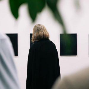 Führung: Die Kunstsammlungen im Ringturm der VIG Philippe Batka, Kurator der Kunstsammlungen im Wiener Ringturm, führte durch...