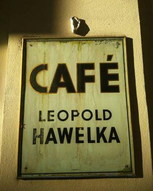 #austria #österreich #wien #café #leopoldhawelka #grüßgott #bitte #eine #schwarze #dankeschön #tchüss #walking #inthecity ...