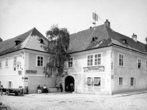 Darf ich vorstellen? Meine Ururgroßeltern 😊 Fuhrmannhaus (14, Linzer Straße 404, Rosentalgasse 1), Bürgerhaus in Hütteldorf, dessen...