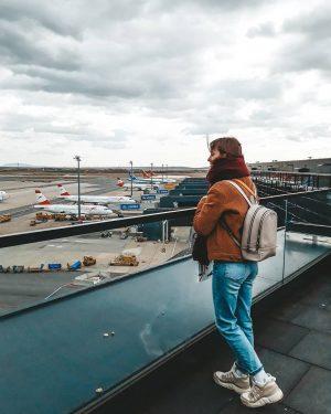 Все самолеты, какна ладони ✈ Смотровая площадка в аэропорте Вены,😍 для всех желающих ...