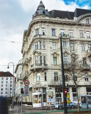 Café Prückel #cafeprückel #Ringstraße #architecture #streetphotography #streetlife #ViennaGoForit #viennamood #viennamylove #thisisvienna #viennagram #igersaustria ...