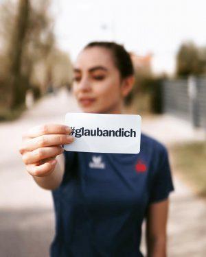 Lauf mit @frankly.alina von @theladies_at eine Staffel beim Vienna City Marathon am 7. April. Einfach auf ihrem...