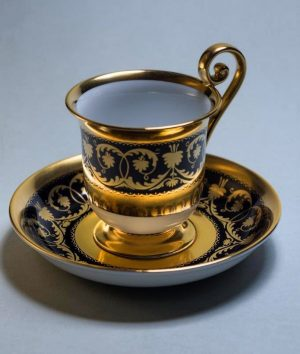 IMPERIAL 🧡 Chocolate cup #handpainted in Vienna with #24kgold designed in 1800 for the imperial court ....