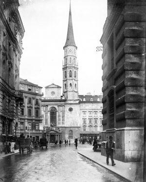Die Kirche St. Michael wurde 1220 erbaut und bereits 1288 zur Pfarrkirche erhoben. Sie liegt an einem...