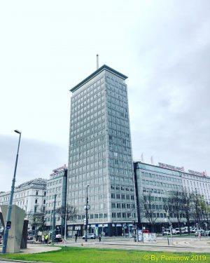 Ringturm #austria #österreich #vienna #wien #ringturm #hochhaus #skyscraper #innerestadt #1stdistrict #city #viennainsurancegroup #vig #headquarters #erichboltenstern #bürogebäude #wetterleuchtturm...