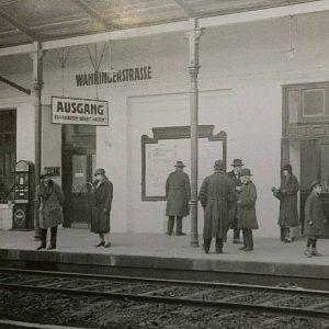 U6. Types. #ubahn #u6 #subway #ottowagner #blackandwhite #wien #vienna #wienerlinien #wienmuseum U-Bahn-Station Währinger ...